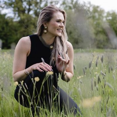 Melissa-holistic-design-yoga-teacher